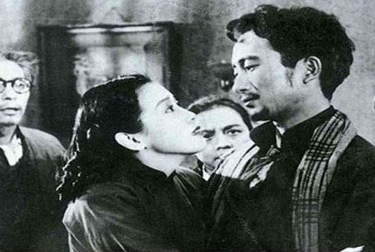 Cuervos y gorriones (1949)